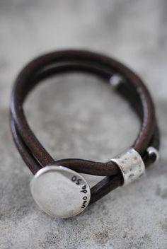 Uno de 50 leather & silver bracelet.