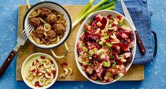 Rode bieten hutspot met vegetarische balletjes Lidl, Healty Dinner, Pasta Salad, Vegan Recipes, Tacos, Favorite Recipes, Ethnic Recipes, Food, Meal