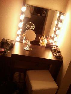 DIY Hollywood lights vanity