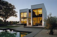 Wohnhaus mit Naturpool - heinze.de