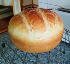 Jénaiban sült kenyerem! Körbejárta az internetet ez a recept, amely hatalmas sikert aratott - Ketkes.com Bread Recipes, Cooking Recipes, Buzzfeed Tasty, Dessert Recipes, Desserts, Food Videos, Food To Make, Healthy Living, Bakery