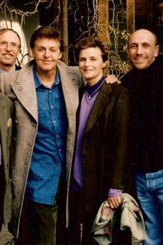 """beatles-on-the-run: """"This is the last picture of Paul and Linda together, taken in mid-March 1998 in Switzerland. She passed away three weeks later. Paul Mccartney Beatles, Paul Mccartney And Wings, Ringo Starr, George Harrison, John Lennon, The Beatles, Beatles Photos, Linda Eastman, Liverpool"""