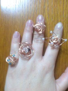 δαχτυλίδια από χαλκό και χάντρες