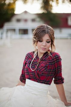 Plaid country cool! If I could do it all again I would go country chic! #wedding blog.hairandmakeu...