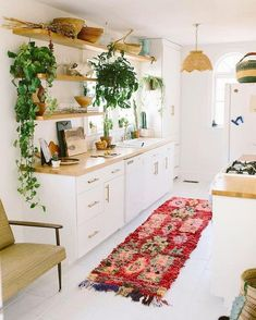 Boho kitchen decor ideas for house or apartment boheme einrichtung modern bohemian kitchen designs birthday party games add to the fun if yo. Kitchen Rug, New Kitchen, Kitchen Plants, Kitchen Carpet, Kitchen White, Kitchen Small, Vintage Kitchen, White Kitchens, Moroccan Kitchen