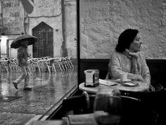 Inside and outside — Javi Calvo Fotógrafo – Street Photography