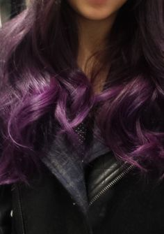 Finally managed to do purple ombre hair! So happy with how it turned out (used manic panic purple haze and ultraviolet dye)