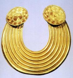 Irish Bronze age gold (National Museum of Ireland, Dublin)