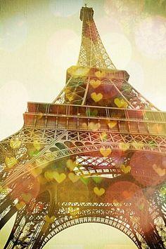 Eiffel Tower (no hearts)