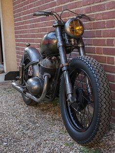 Enfield Motorcycle, Motorcycle Art, Motorcycle Design, Royal Enfield, Hot Rods, Jawa 350, Scooters, Moped Scooter, Vintage Bikes