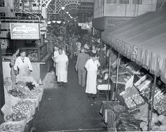 Reading Terminal Market 1942, from The Philadelphia Evening Bulletin Photograph: courtesy of Temple University libraries