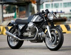 Café - racing stripes Cafe Racer Bikes, Cafe Racer Build, Cafe Racer Style, Cafe Bike, Cafe Racer Motorcycle, Cafe Style, Motorcycle News, Cafe Racing, Retro Motorcycle
