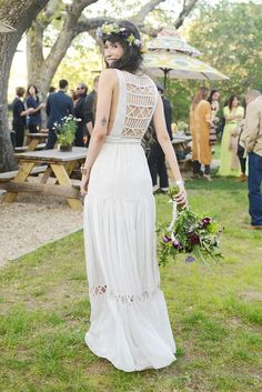 Vestido y corona flores boda Ibiza