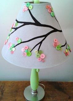 DIY button tree lamp shade very cute for a childs room Baby Crafts, Cute Crafts, Diy And Crafts, Arts And Crafts, Button Lampshade, Button Tree, Button Button, Button Crafts, Lampshades