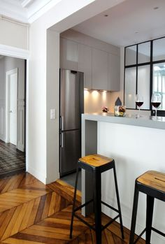 What Does A Guide To Efficient Small Kitchen Design For Apartment Mean 117 - houseinspira Kitchen Design Small, Kitchen Flooring, Kitchen Remodel, Kitchen Decor, Home Kitchens, Wood Floor Kitchen, Apartment Kitchen, Living Room Wood, Kitchen Design
