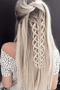 36 boho inspired creative and unique wedding hairstyles - hairstyles trends frisuren haare hair hair long hair short Unique Wedding Hairstyles, Creative Hairstyles, Latest Hairstyles, Pretty Hairstyles, Hairstyle Ideas, Amazing Hairstyles, Unique Braided Hairstyles, Messy Hairstyles, Dyed Hair