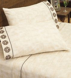 Sábanas Bordadas Décor Room, Bed Covers, Bed Sheets, Hand Embroidery, Bed Pillows, Pillow Cases, Needlework, Room Decor, Pillow Shams