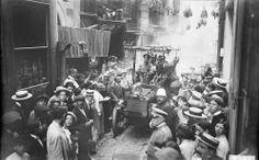 Bendición de un coche de bomberos en la fiesta de San Cristobal en Barcelona (1913).