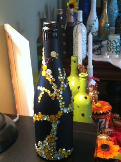 wine bottle decorated with a tree pattern!