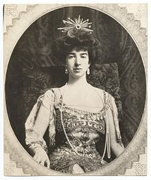 Gertrude Vanderbilt Whitney, 1909 Socialite, sculptor, art patron and collector. Founder of the Whitney Museum of American Art in NYC. Cornelius Vanderbilt, Gloria Vanderbilt, Vanderbilt Houses, William Collins, Whitney Museum, Whitney House, Gilded Age, Kaiser, American Art
