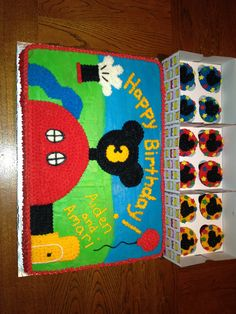 Mickey Mouse clubhouse cake n cuocakes Mickey Mouse Bday, Mickey Mouse Cupcakes, Mickey Mouse Clubhouse Birthday Party, Mickey Cakes, Mickey Mouse Parties, Mickey Party, Disney Parties, Mouse Cake, Combined Birthday Parties