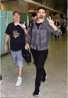 Kevin Richardson, Nick Carter, Boys Life, Backpacking Gear, Backstreet Boys, Sporty, Concert, Icons, People People