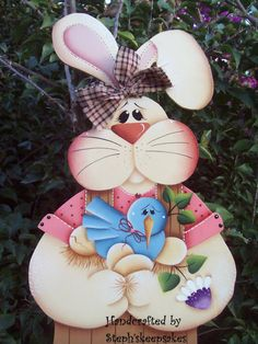Bloomin' Spring bunny hanger, Wooden Boy Easter Bunny,Holiday, Welcome… Cute Crafts, Crafts For Kids, Rabbit Crafts, Craft Projects, Projects To Try, Summer Painting, Country Paintings, Country Crafts, Easter Holidays