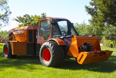 The Porter Orchard Boss: an innovative specialty tractor for orchard applications #PetersonAg