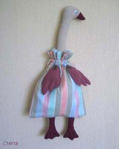 Artesanato e Cia : Porta sacolas em forma de ganso