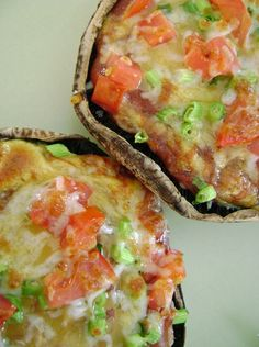 Portobello Pizzas. OMG! only 85 calories and it doesn't get much more pizza-y than this!