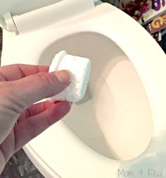 The 15 Most Brilliant Ideas People Came Up With In 2015 - diy fizzing toilet cleaning tablets, bathroom ideas, cleaning tips, go green, repurposing upcycling - Natural Toilet Cleaner, Homemade Toilet Cleaner, Cleaners Homemade, Cleaning Bathroom Tiles, Toilet Cleaning, Bathroom Gadgets, Homemade Cleaning Wipes, Cleaning Hacks, Cleaning Recipes
