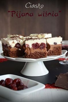 "Ciasto ""Pijana wiśnia"" Fruit Recipes, Sweet Recipes, Cake Recipes, Dessert Recipes, Tasty Chocolate Cake, Decadent Chocolate, Delicious Desserts, Yummy Food, Vegan Junk Food"