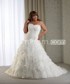 Glorious+A-line+Sweetheart+Floor-length+Chapel+Appliques+Ruched+Plus+Size+Wedding+Dresses