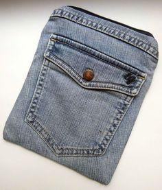 Jeanskosmetiktasche mit zwei Außentaschen.