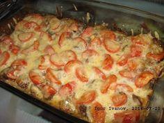 Vydatný oběd zapečený v troubě. Kuřecí játra, mozzarela, rajčata, česnek - to je ale bašta!