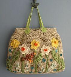 İlkbaharı getirmiş bir örgü çanta modeli daha