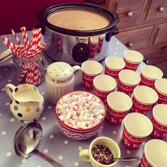 Is it truly bonfire night without hot choc's and marshmallows? Christmas Party Food, Xmas Food, Christmas Treats, Christmas Baking, Christmas Eve, Christmas Recipes, Christmas Foods, Christmas Store, Vintage Christmas