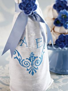 Party Favors: Wine Bag Favor