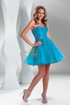 Fashionable Beading Sweetheart A-line Tulle Short Formal Gowns
