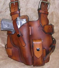 Leather tactical drop holster Kydex and Leather Gear Tactical Holster, Pistol Holster, Tactical Gear, Leather Rifle Sling, Custom Leather Holsters, Leather Carving, Leather Tooling, Leather Bags, Beretta 92