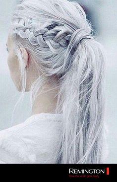 Un recogido sencillo que a la vez le dará un estilo diferente a tu peinado habitual. #hair #hairstyle #ponytail #cool #style #fashion #woman