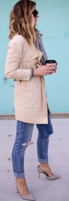Sam Edelman Pumps Joe's Jeans Grey Sweater Classic Trench Fall Street Style Inspo by Cella Jane