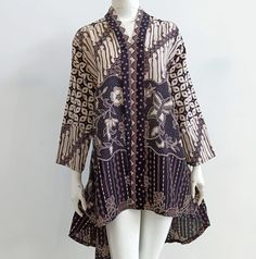 Gambar mungkin berisi: orang berdiri Batik Blazer, Blouse Batik, Batik Dress, Batik Kebaya, Kebaya Dress, Blouse Dress, Batik Fashion, Hijab Fashion, Fashion Dresses