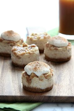 apple cider cupcakes with brown sugar Mini Apple Pie Cheesecakes with Brown Sugar Whipped Cream Recipe from Small Desserts, Apple Desserts, Great Desserts, Mini Desserts, Apple Recipes, Dessert Recipes, Apple Pie Cheesecake, Cheesecake Recipes, Recipes With Whipping Cream