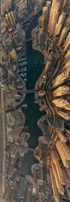 Dubai, UAE Crazy.... This pic gives me an anxiety attack. Lol.