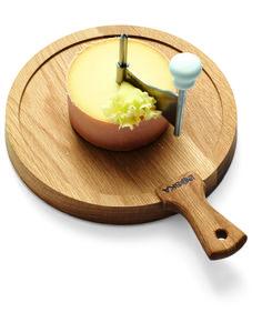 Een kaaskruller voor feestelijke plakken kaas. Leuk op de borreltafel.