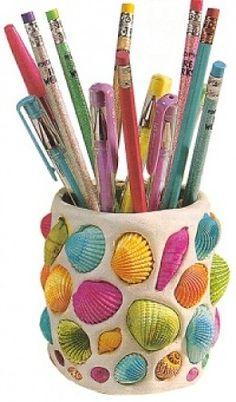 Porte-crayons argile + coquillages