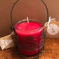 Ho ho ho....Christmas candles are in. Cinnamon stick scented soy candle in beautiful jar to light up the room.