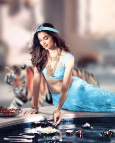 Deepika Padukone is one of the beautiful, talented, most popular and attractive actresses in Bollywood. Bollywood Images, Bollywood Celebrities, Bollywood Fashion, Bollywood Actress, Deepika Ranveer, Deepika Padukone Style, Star Fashion, Girl Fashion, Dipika Padukone