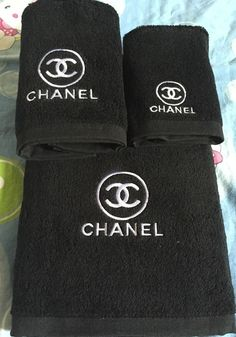 Custom embroidered 3 piece bath setChoose from a variety of colors Chanel Brand, Chanel Logo, Coco Chanel, Chanel Bedroom, Chanel Bedding, Chanel Inspired Room, Designer Bed Sheets, Chanel Decor, Glamour Decor